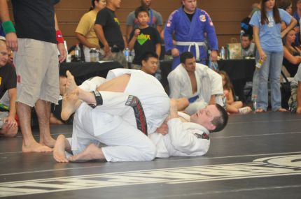 White belt life: I didn't know much, but hard training taught me to close that guard pretty fast.